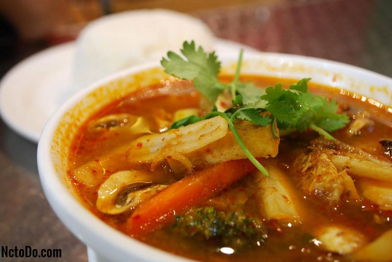 Vegetarische Tom Yum Suppe